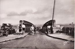 ILE D'OLERON - ORS - Passerelle D' Embarquement Animée - CPSM - Ile D'Oléron