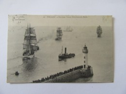 CPA N°41 - Fécamp - Navires (voiliers) Terre-Neuviers En Rade - Carte Animée, Circulée En 1912 - Voiliers