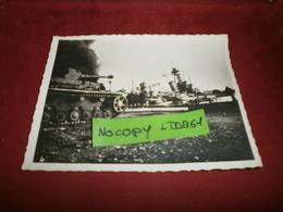 Photographie > Photos > Photos - Originales > Bateaux Le Sabordage De La Fotte A Toulon Le Colbert 27/11/42 - Boten