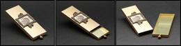 """Boîte US En Métal Doré, Cadre En Bronze Avec Timbres Sur Le Dessus, Marquée """"Gold Tone Product"""" Au Verso, 1 Comp. à Glis - Boites A Timbres"""