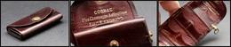 """Etui En Cuir Avec Boucle, Marqué """"Cognac Fine Champagne Emile Engrand"""", 8 Comp., H.62xl.30mm. - TB - Stamp Boxes"""