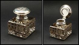 Encrier En Cristal, Cerclage Du Capuchon En Argent, Monogrammé, 55x55x65mm. - TB - Stamp Boxes