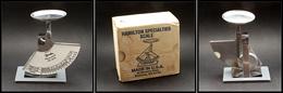 """Pèse Lettres. Modèle Moderne à Contrepoids Pendulaire En Acier, Marqué Hamilton """"Postal Scale N°16-91"""", échelle 0/16oz,  - Stamp Boxes"""
