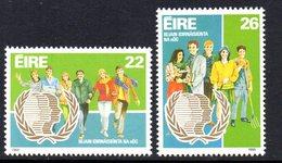 Ireland 1985 International Youth Year Set Of 2, MNH, SG 621/2 - 1949-... République D'Irlande