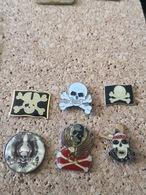 6 Pins Tete De Mort - Badges
