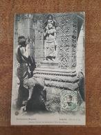 Laos - Laotien Faisant Ses Dévotions à Wat Pou Bassac - Collection Raquez, Série F, N°14 - Laos