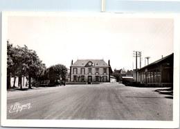 45 COURTENAY - Le Mail, L'école Des Garçons - Courtenay