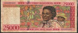 MADAGASCAR P82 25.000 = 25000 FRANCS 1998 #A Sign.5 FINE - Madagascar