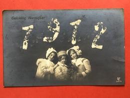 ANNEE - JAAR 1912 - KINDEREN MET DIKKE JASSEN - ENFANTS AVEC MANTEAUX D'HIVER - Nouvel An
