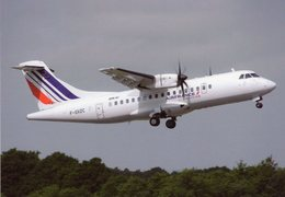 ATR 42-500  (Air France By Airlinair)  At Nantes 2011   -  CPM - 1946-....: Ere Moderne