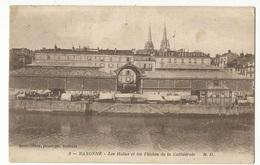 CPA D.64, N°2, Bayonne ,Les Halles Et Les Flèches De La Cathédrale ,Ed. M.D, 1918 - Bayonne