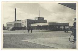Cpa Finlande - Tampere - Le Garage Des Cars ( Gare Routière / Pompe à Essence Esso à Droite ) - Finland