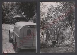 2 Snapshots Photo C.1960 GUINEE Automobile Citroen 2cv Camionnette Dans La Forêt Vierge 13 X 9 Cm. - Afrique AOF - Afrika