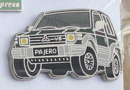 V466 Pin's AUTO CAR PAJERO MITSUBISHI 4X4 Qualité Arthus Signé Ballard Achat Immediat - Mitsubishi