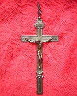 Joli Crucifix Pendentif Avec Crâne Et Tibias Croisés Assez Grande Taille, 96 Mm Avec L'attache ! - Religion & Esotérisme