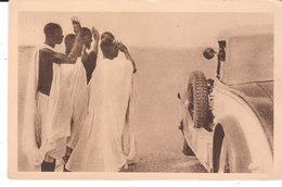 CPA GAO (MALI) RAID ALGER-DAKAR-ALGER EFFECTUE PAR 4 PEUGEOT JANVIER 1930 - SALUT TRADITIONNEL QU'ADRESSENT LES INDIGENE - Mali