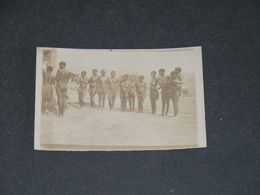 CONGO - RASSEMBLEMENT DE JEUNES FEMMES NUES - CIRCA 1910 - Afrique