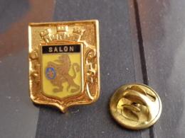 PIN'S ARMOIRIE DE SALON - Villes