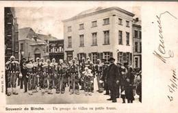 SOUVENIR DE BINCHE UN GROUPE DE GILLES EN PETITE TENUE - Binche