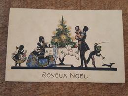 Silhouettes - Joyeux Noel - Famille Autour Du Sapin, Chien, Enfant Au Clairon Et Au Sabre, Fillette à La Poupée - Scherenschnitt - Silhouette