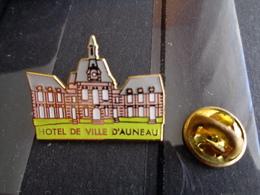 HOTEL DE VILLE D' AUNEAU - Villes