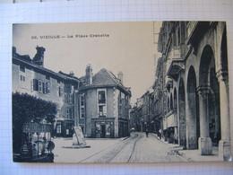38  VIZILLE  La Place Grenette - Vizille