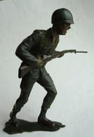 FIGURINE MARX - MARINE US CHARGEANT WWII - Vers 1965 - Figurines