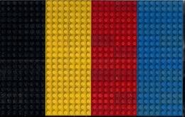 LEGO CLASSIC LOT De DIFFÉRENTES PLAQUETTES FINES BLANCHES Et De 79 BRIQUES De 8 Et 2 De 4. - Lego