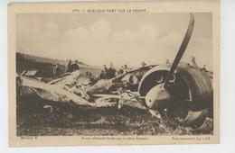 GUERRE 1939-45 - QUELQUE PART SUR LE FRONT... Avion Allemand Abattu Par Un Pilote Français - Guerre 1939-45