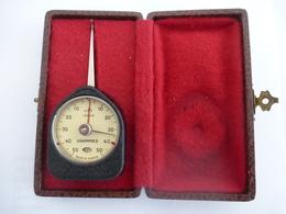 PESE LETTRES - DYNAMOMETRE CARPO  : Agréé PTT 1314 - 6 Avec Son Coffret. Vers 1960 (A Vérifier) - Letter Balances