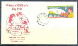 K1246- FDC Of Pakistan Year 1971. Universal Children Day. Train. Railway. Transport. - Pakistan