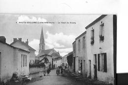 HAUTE GOULAINE   N 4   LE HAUT DU BOURG  PERSONNAGES      DEPT 44 - Haute-Goulaine