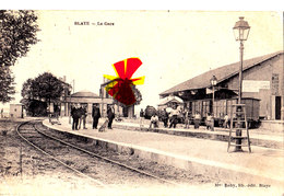 BLAYE - La Gare - Carte Très Animée Sur Les Quais - Blaye