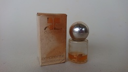 échantillon Ancien Eau De Toilette Empreinte De Courrèges - Oude Miniaturen (tot 1960)
