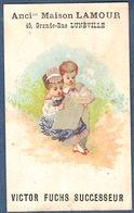 Chromo Maison Lamour Victor Fuchs Lunéville Salon Coiffure Postiche Couple Lisant Le Journal - Kaufmanns- Und Zigarettenbilder