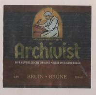 BIERE ETIQUETTE ARCHIVIST BRUNE - BRASSERIE DE MERELBEKE BELGIQUE - VOIR LE SCANNER - Bière