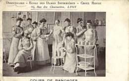 150519 - CROIX ROUGE Infirmière 69 LYON Dispensaire école Des Dames Infirmières 84 Rue Des Charmettes Cours De Bandages - Red Cross