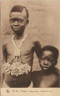 HAUTE - VOLTA / TOUGAN / FILLETTES SAMOS / PENDENTIF EN CAURIS / ANIMATION - Burkina Faso