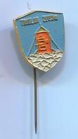 Alpinism Mountaineering Climbing Montanismo - TRIGLAV  Slovenia, Vintage Pin, Badge, Abzeichen - Alpinism, Mountaineering