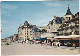 Trouville - Le 'Topsy' Et La Promenade - (Clavados) - 1972 - Trouville