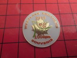 SP15 Pins Pin's / Rare & De Belle Qualité  THEME : AUTRES / CANADA NORMANDIE WESTLAKE BROTHERS 2013 100e SOUVENIR - Autres