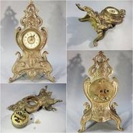 ~ PENDULETTE ROCAILLE EN BRONZE - Horlogerie Réveil Pendule - Clocks