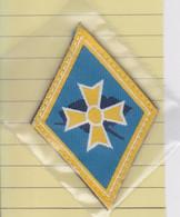 (T 3) Écusson Tissu Militaire Ou Autre  (Format   Hauteur 9 Largeur 6.) - Ecussons Tissu