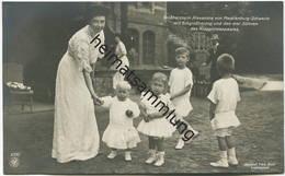 Grossherzogin Alexandra Von Mecklenburg-Schwerin Mit Erbgroßherzog Und Den Drei Söhnen Des Kronprinzenpaares - Photograp - Königshäuser