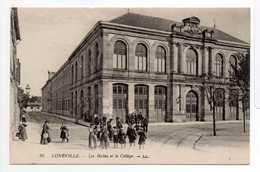 - CPA LUNÉVILLE (54) - Les Halles Et Le Collège (belle Animation) - Editions Lévy N° 25 - - Luneville