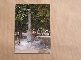 MARIEMBOURG La Pompe ( 1 ) Place  Province De Namur Belgique Carte Postale - Couvin