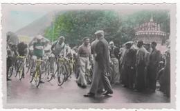 Photo Originale  Colorisée 1936 Digne Les Bains Tour De France Cycliste Vélo Départ étape Vers Nice - Ciclismo