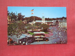 Town Square   Disneyland  Ref 3356 - Disneyland