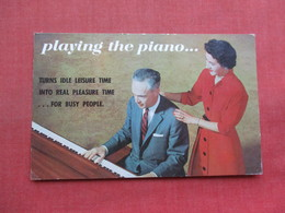 Advertising   Playing The Piano  Ref 3356 - Advertising
