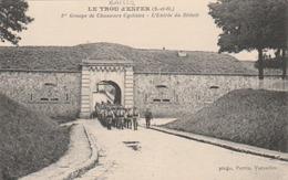 ( BAILLY ) Le Trou D'Enfer - 1er Groupe De Chasseurs Cyclistes - L'entrée Du Réduit. - France
